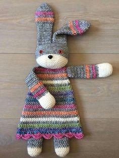 ♡ So lovely ♡ Lappenpop - pattern on Ravelry: Bunny Ragdoll pattern by A la Sascha                                                                                                                                                                                 Más