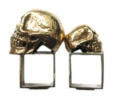 Aida Bergsen double finger skull ring