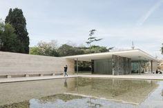 Ludwig Mies van der Rohe, Maciej Jeżyk · Barcelona Pavilion