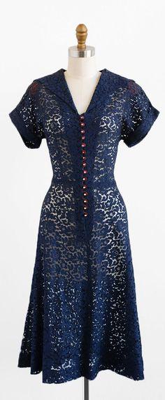 vintage 1940s lace dress   40s dress   size large   vintage clothing   Rococo Vintage   www.etsy.com/shop/rococovintage