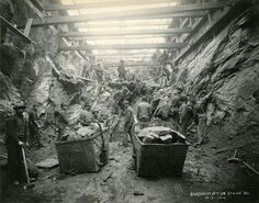 Excavation on Broadway between 119th and 120th Streets, December 21, 1900.  Contract #1 (652), NYC Board of Transportation. Subway Construction Photograph Collection, PR 069. New-York Historical Society, image #66130.