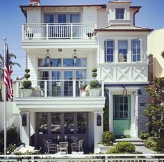 10 Ways to Bring Charm to Your Home's Exterior [With Images] - Strandhaus Beach Cottage Style, Beach Cottage Decor, Beach Cottage Exterior, Casas California, California Beach, Br House, New Home Buyer, Dream Beach Houses, Dream House Exterior