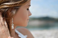 shallow focus photography of woman wearing dangling earrings holding her hair near mountain Beautiful, free Girl photos from the world for everyone - Infinity Collections Chandelier Earrings, Ring Earrings, Diamond Earrings, Statement Earrings, Diamond Jewellery, Fake Nose Rings, Clothing Blogs, Swarovski Crystal Earrings, Crystal Jewelry
