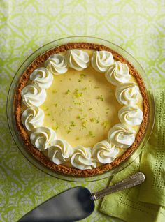 La meilleure tarte à la lime (Key lime pie) Pie Recipes, Sweet Recipes, Dessert Recipes, Bon Dessert, Sweet Pie, Sweet Tarts, Barbie Torte, Pasta, Cinnamon Pie