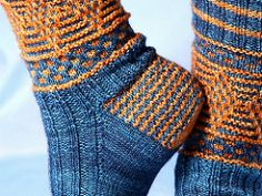Magickal Quidditch Socks pattern by Jennifer Dassau Magickal Quidditch Socks by Jennifer Dassau. A tribute to the Quidditch players of Harry Potter's Wizarding World, or to. Crochet Socks, Knitted Slippers, Knitting Socks, Hand Knitting, Knit Crochet, Knit Socks, Vintage Knitting, Crochet Granny, Knitting Patterns