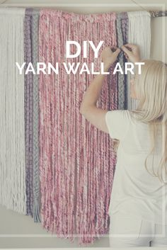Diy Home : Illustration Description DIY Yarn Wall Art Yarn Wall Art, Yarn Wall Hanging, Diy Wall Art, Diy Wall Decor, Wall Hangings, Macrame Wall Hanging Diy, Fabric Wall Art, Art Yarn, Crochet Wall Art