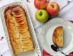 Quesada de manzana 4 manzanas, 3 huevos, 4 cucharadas soperas de maizena, 150 gr de azúcar, 3 yogures griegos (125 gr) Sweet Recipes, Cake Recipes, Dessert Recipes, Desserts, Quiches, Packed Lunch Boxes, Sweet Cooking, Sin Gluten, Gluten Free
