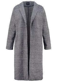 New Look Curves Wollmantel / klassischer Mantel black Bekleidung bei Zalando.de   Material Oberstoff: 63% Polyester, 13% Baumwolle, 10% Viskose, 10% Polyacryl, 3% Nylon, 1% Wolle   Bekleidung jetzt versandkostenfrei bei Zalando.de bestellen!