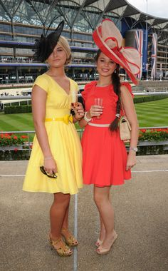 Wildest Royal Ascot Hats On Royals And Commoners Alike (PHOTOS) - the hat on the left Tea Party Attire, Tea Party Outfits, Kentucky Derby Fashion, Kentucky Derby Outfit, Ascot Outfits, Derby Outfits, Race Day Outfits, College Outfits, Ascot Style
