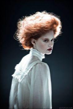 Alli. Photography & styling: Zhang Jingna Hair: Nicoletta Gauci Makeup: Lindsey Rivera Model: Alli Cripe/Photogenics Photo Assistant: Matthew Chretien Special thanks: Errol Higgins Studio