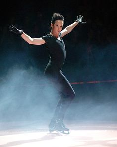 Johnny Weir is magic. Leah Adams photo: http://leahadams.zenfolio.com/p167055241/ed19cc45#hd19cc45