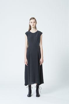 ヨウジヤマモト プリュス ノアール(YOHJI YAMAMOTO +NOIR) 2015年春夏コレクション Gallery21 - ファッションプレス
