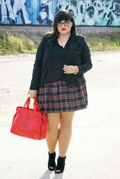 CONQUORE · The Fatshion Café | Fashion Plus Size Blog: Beginning of fall · Tartan Skirt Plus Size