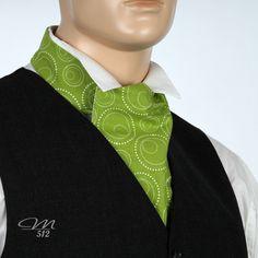 Der Wende-Krawattenschal Frühlingsgrün von der Manufaktur 512 #krawattenschal #ascot #accessoires #handmade €45,00