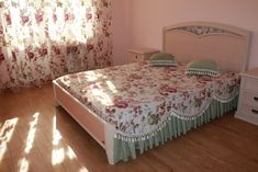 Одноклассники Bed Covers, Bed Spreads, Bed Sheets, Minimalism, Blanket, Ribbons, Interior, Room, House