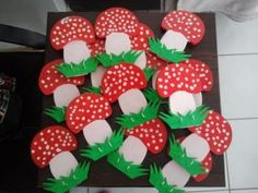 Mushroom craft idea for kids Crafts and Worksheets for PreschoolToddler and K Crafts Autumn Crafts, Fall Crafts For Kids, Autumn Art, Toddler Crafts, Art For Kids, K Crafts, Preschool Crafts, Arts And Crafts, Paper Crafts
