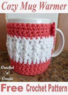 Cozy mug warmer, this free crochet pattern is made with raised stitches in 2 col…, - Herzlich willkommen Crochet Coffee Cozy, Crochet Cozy, Crochet Crafts, Easy Crochet, Crochet Projects, Free Crochet, Coffee Cozy Pattern, Homemade Crafts, Diy Crafts