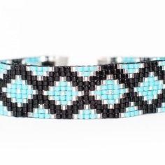 Bracelet manchette en perles tissées - motif losanges et triangles turquoise, argent et noir