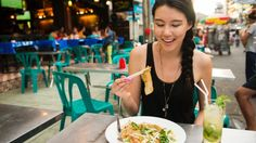 The 20 rules of eating in a foreign country