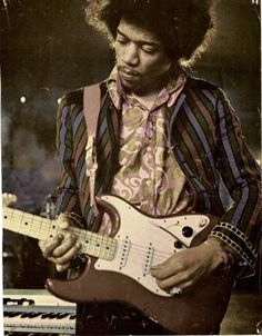 When you think you have seen all Jimi's pics,you find a new amazing one !! Like this one!