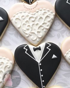 Wedding Favors - Heart shaped bride and groom Cookies- One Dozen Decorated Sugar Cookies Iced Cookies, Cut Out Cookies, Cute Cookies, Cupcake Cookies, Wedding Cookies, Wedding Desserts, Wedding Favours, Cookies Decorados, Sugar Cookie Royal Icing