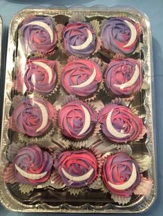 Cheshire Cat Cupcakes! Pop goes the bakery!