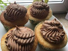 Nougat-Schoko-Buttercreme von sylvie99 | Chefkoch Muffins, Tasty Bakery, Butter, Breakfast, Desserts, Food, Cooking, Food Portions, Food Food
