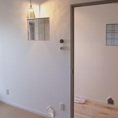 いいね!79件、コメント2件 ― DEN PLUS EGGさん(@denplusegg)のInstagramアカウント: 「現在リフォーム中のお家より。 買い付けで見つけてきた銅のステンドグラスを部屋と廊下の間にはめています。 繊細なラインと古い銅の素材感が素敵です。…」