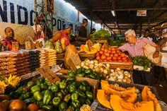 La Habana Vieja (Old Havana district), Mercado (market) Agropecuario Egido, Havana's market near the railway station on Avenida de Belgica between Corrales and Apodaca
