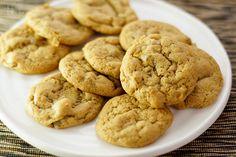 Ich liebe Ingwer in jeder Form. Deswegen habe ich auch mal was Ausgefallenes mit Ingwer gemacht: Ingwer Kekse. Ihr dürft auch keine richtige Süßigkeit erwarten. Wie Ihr wisst esse ich sowieso nicht…
