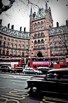 King's Cross Station - London:  Arrived here with a bus and wondered what to do next.