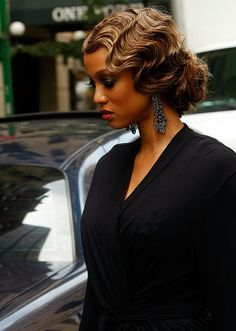 Finger wave! :D i want this for my wedding hair so bad!!! tried to do it for previous weddings but it never worked out :(