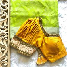 Top Latest and Trendy Blouse Designs For Saree - - - Top Latest and Trendy Blouse Designs For Saree – – – Top 50 - Blouse Back Neck Designs, Fancy Blouse Designs, Blouse Neck, Wedding Saree Blouse Designs, Silk Saree Blouse Designs, Seda Sari, Organizar Closet, Stylish Blouse Design, Designer Blouse Patterns