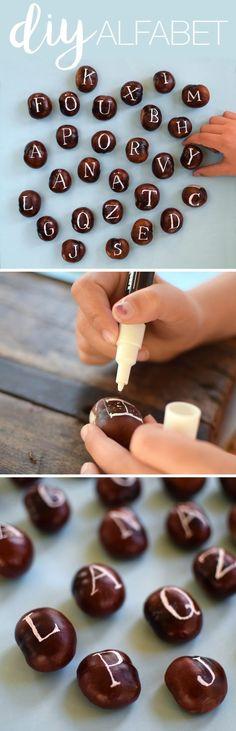 Pyssel_höstpyssel_måla på kastanjer. DIY_paint on chestnuts_@helenalyth