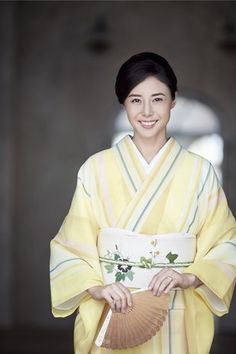 松嶋菜々子 Japanese Outfits, Japanese Fashion, Japanese Beauty, Asian Beauty, Traditional Japanese Kimono, Modern Kimono, Kimono Design, Japanese Costume, Wedding Kimono