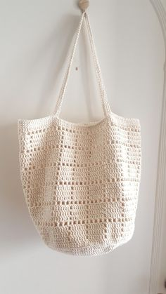 How To Crochet A Shell Stitch Purse Bag - Crochet Ideas Crotchet Bags, Bag Crochet, Crochet Market Bag, Crochet Shell Stitch, Crochet Handbags, Crochet Purses, Love Crochet, Knitted Bags, Purse Patterns