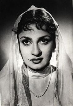 Nadira (Florence Ezekiel Nadira) was born to a Baghdadi Jewish family on December 5, 1932. She rose to fame with the 1952 film Aan, in which she played a Rajput princess. Her most memorable fims are Shree 420 (1955), Dil Apna Aur Preet Parai (1960), Pakeezah (1971), and Julie (1975). She was a well-paid actress and one of the first Indian actresses to own a Rolls Royce.