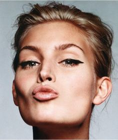 #eyeliner #naturalhair #beauty