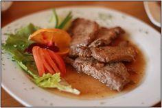 Kančí medailonky na víně Pork, Meat, Foods, Kale Stir Fry, Food Food, Pigs, Pork Chops