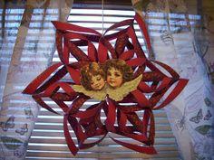 Papirstjerne Christmas Ornaments, Holiday Decor, Home Decor, Decoration Home, Room Decor, Christmas Jewelry, Christmas Decorations, Home Interior Design, Christmas Decor