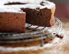 Food: Eleven Rad Recipes From Favourite Chefs (via Elizabeth David's 'Incredibly Wonderful Chocolate Cake' recipe (it's Flourless Chocolate and Almond Cake) via The Sydney Morning Herald) Chocolate Fudge Cake, Flourless Chocolate Cakes, Homemade Chocolate, Chocolate Recipes, Decadent Chocolate, Melt Chocolate, Almond Chocolate, Chocolate Espresso, Homemade Cake Recipes