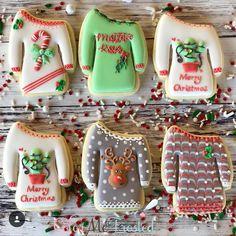 25 Christmas Sugar Cookie Tutorials and Inspiration! Cute Cookies, Iced Cookies, Royal Icing Cookies, Cookies Et Biscuits, Cupcake Cookies, Cookie Icing, Shortbread Cookies, Cookie Cutters, Christmas Sugar Cookies