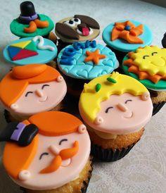 Cupcakes Decorados, Birthday Cake, 35, Gabriel, Desserts, Food, Dragon Party, Tailgate Desserts, Archangel Gabriel
