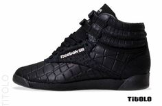 I need these in my life #reebok #freestyle