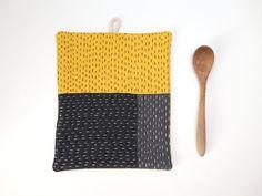 Grey and yellow hand sewn table mat Sashiko Potholder Linen pot holder Hot pads Modern kitchen decor Housewarming gift (25.00 EUR) by ZanziBach