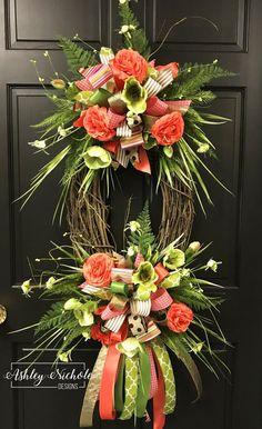 Coral and Sage Green OVAL Floral Wreath – Grapevine Wreath İdeas. Diy Spring Wreath, Diy Wreath, Tulle Wreath, Burlap Wreaths, Ribbon Wreaths, Burlap Bows, Grapevine Wreath, Easter Wreaths, Holiday Wreaths