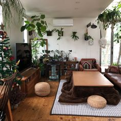 Home Decoration For Living Room Referral: 6672099114 Japanese Style House, Interior Railings, Studio Apartment Decorating, Japanese Interior, Moving House, Contemporary Interior Design, Fashion Room, Home Living Room, Interior Architecture