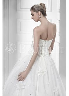 $240.99  Dramatic Strapless Tulle #Ball #Gown #Wedding #Dress With Beading And Flower
