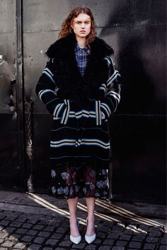 http://www.vogue.com/fashion-shows/pre-fall-2016/preen-by-thornton-bregazzi/slideshow/collection