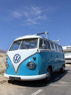Le combi VW ! by Laurent Peugniez, via Flickr